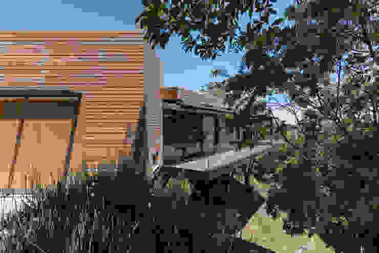 Casas modernas: Ideas, imágenes y decoración de sacha zanin arquiteta Moderno