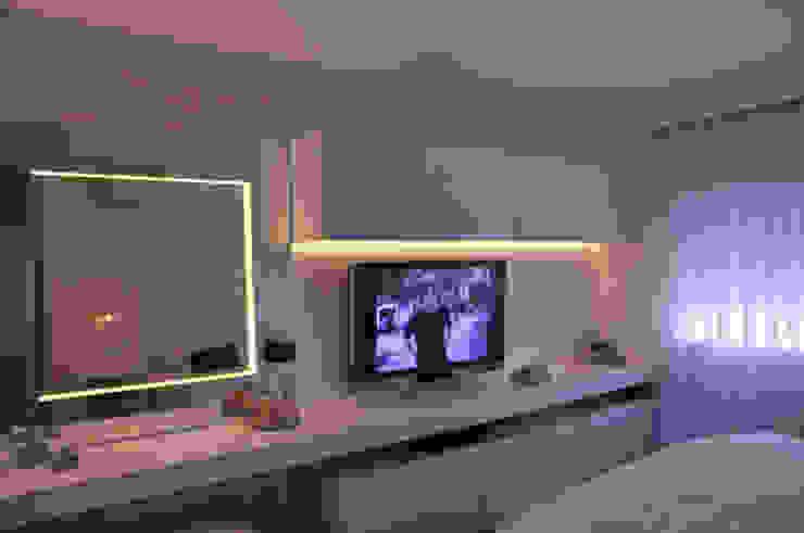 Eclectic style bedroom by kaleidoscope arquitetura de experiencia Eclectic