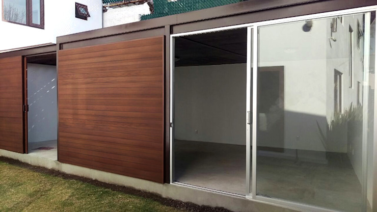 Hiên, sân thượng phong cách hiện đại bởi Cooperativa Hiện đại Gỗ Wood effect