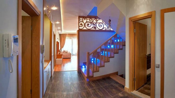 Eclectic style corridor, hallway & stairs by Attelia Tasarim Eclectic