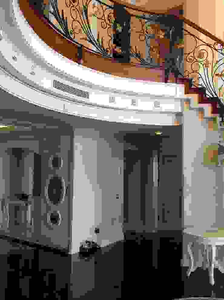 VİLLA K Klasik Koridor, Hol & Merdivenler Attelia Tasarim Klasik