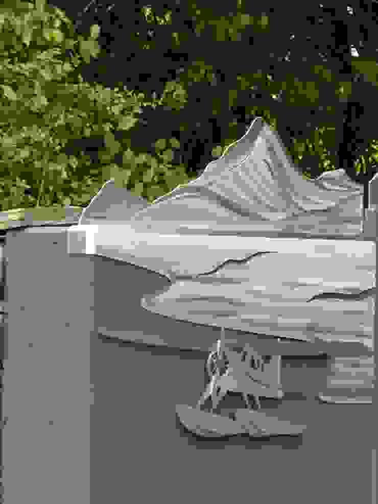 "Edelstahltore ""Yukon"" Moderner Garten von Edelstahl Atelier Crouse: Modern Metall"