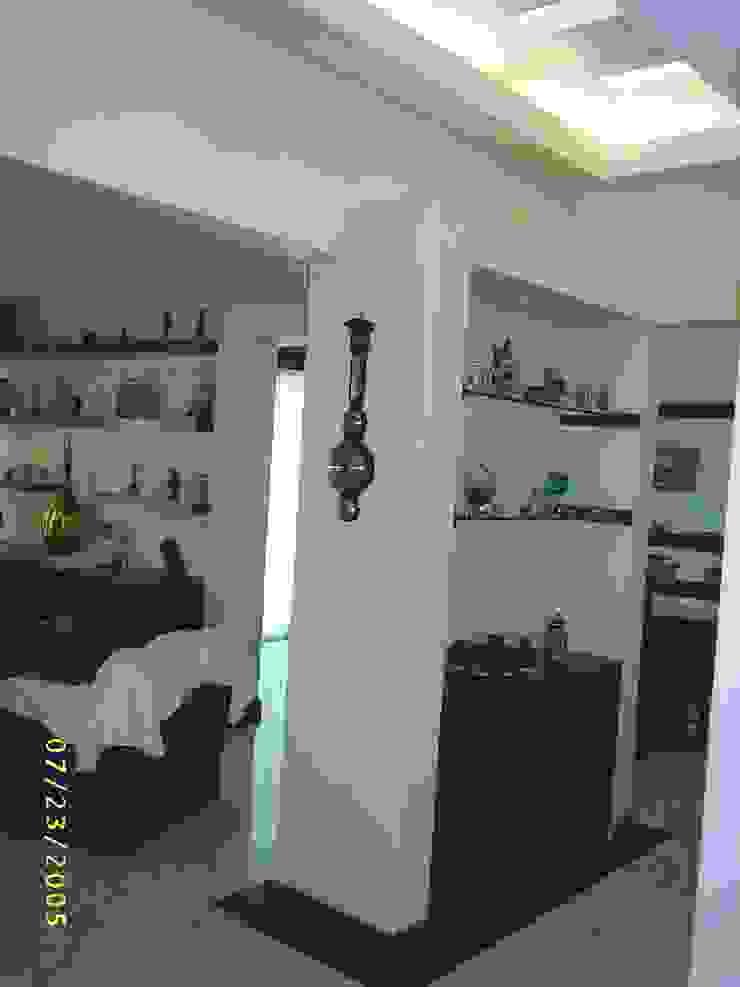 CASA WILMA Pasillos, vestíbulos y escaleras clásicas de SG Huerta Arquitecto Cancun Clásico Mármol