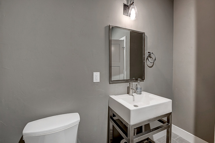 Award Winning Winslow Project Classic style bathroom by Futurian Systems Classic