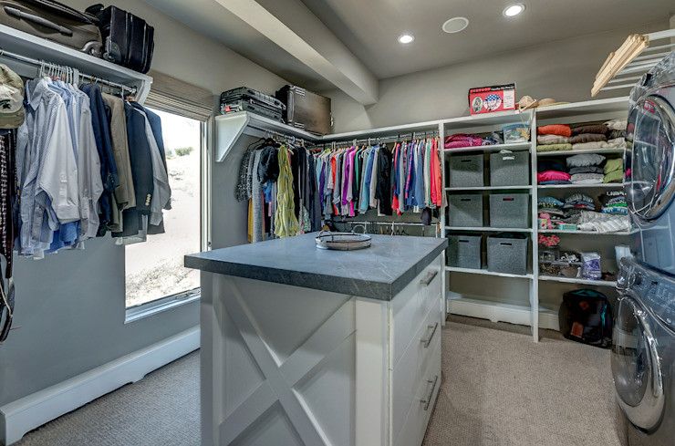 Award Winning Winslow Project Classic style dressing room by Futurian Systems Classic