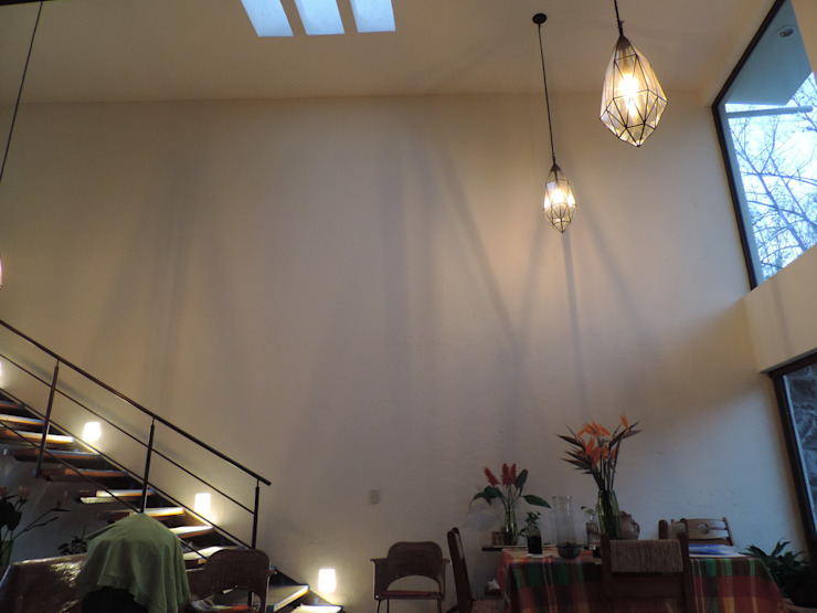 Sala - comedor de la vivienda Salones modernos de Habitaespacio Moderno