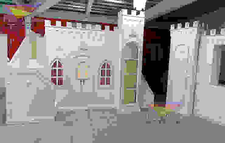 IMPONENTE CASTILLO OPULENTO DE LUX de camas y literas infantiles kids world Clásico Derivados de madera Transparente
