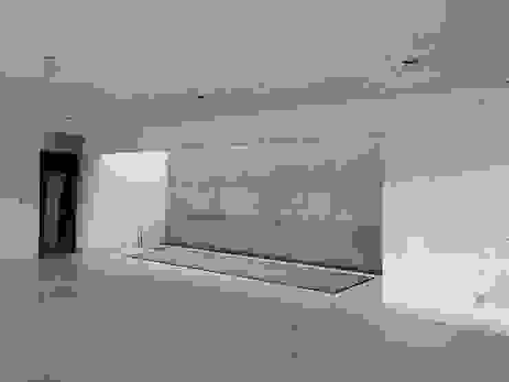 Muro de 45 m2 con una altura de 7 mts. Arquitectura Orgánica Viviana Font