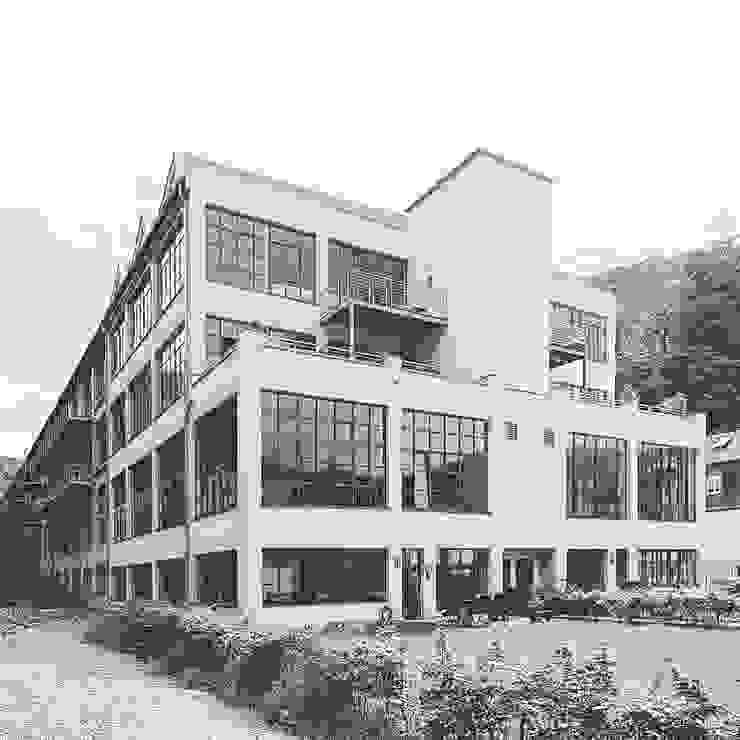 Casas de estilo  por Hauser - Architektur , Minimalista