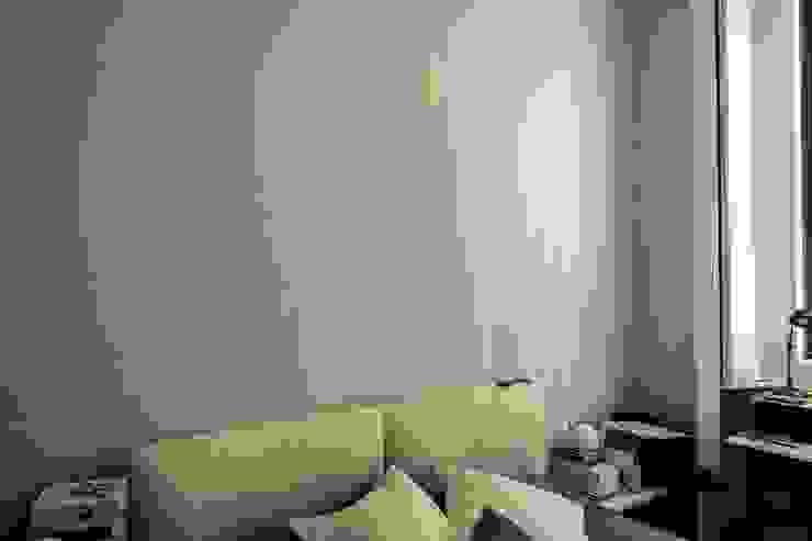 Camera da Letto enzoferrara architetti Camera da letto moderna