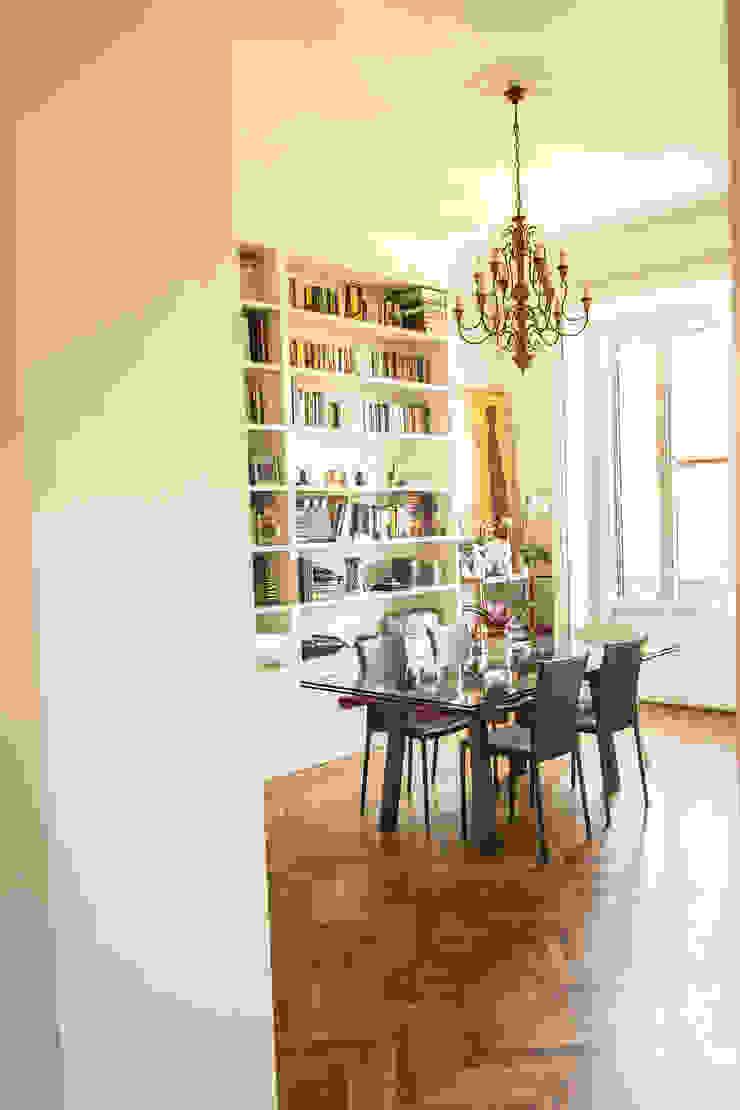 Soggiorno enzoferrara architetti Sala da pranzo in stile classico