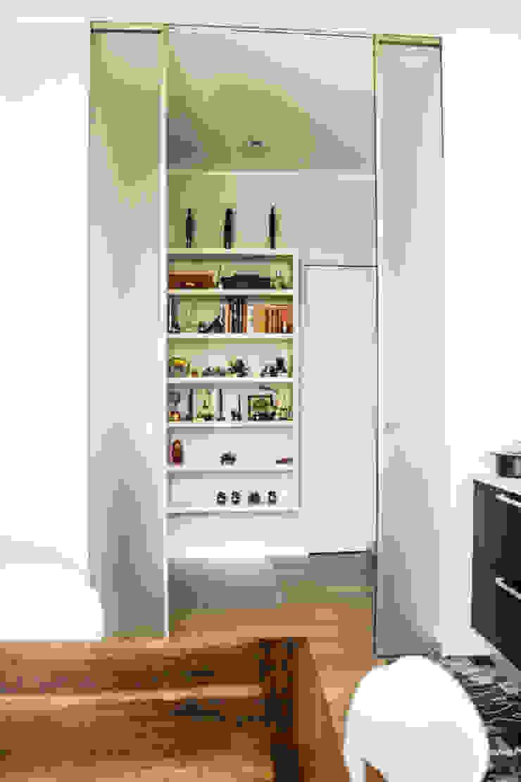 Ingresso enzoferrara architetti Ingresso, Corridoio & Scale in stile moderno