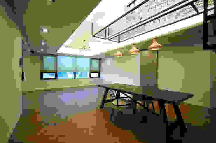 일산 장항동 SK M시티 58평형 인더스트리얼 다이닝 룸 by 스토리희 디자인 인더스트리얼