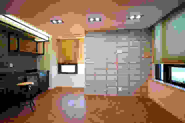 일산 장항동 SK M시티 58평형 인더스트리얼 거실 by 스토리희 디자인 인더스트리얼