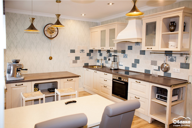 Classic style kitchen by Студия 'Облако-Дизайн' Classic