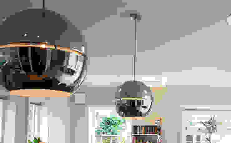 JAREN 30-HUIS | GESTRIPT Moderne keukens van WEBERontwerpt | architectenbureau Modern