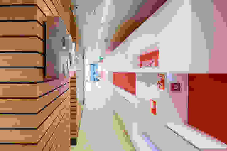 Kantoor WTC Amsterdam Moderne kantoor- & winkelruimten van Kuiper Steur architecten BNA Modern