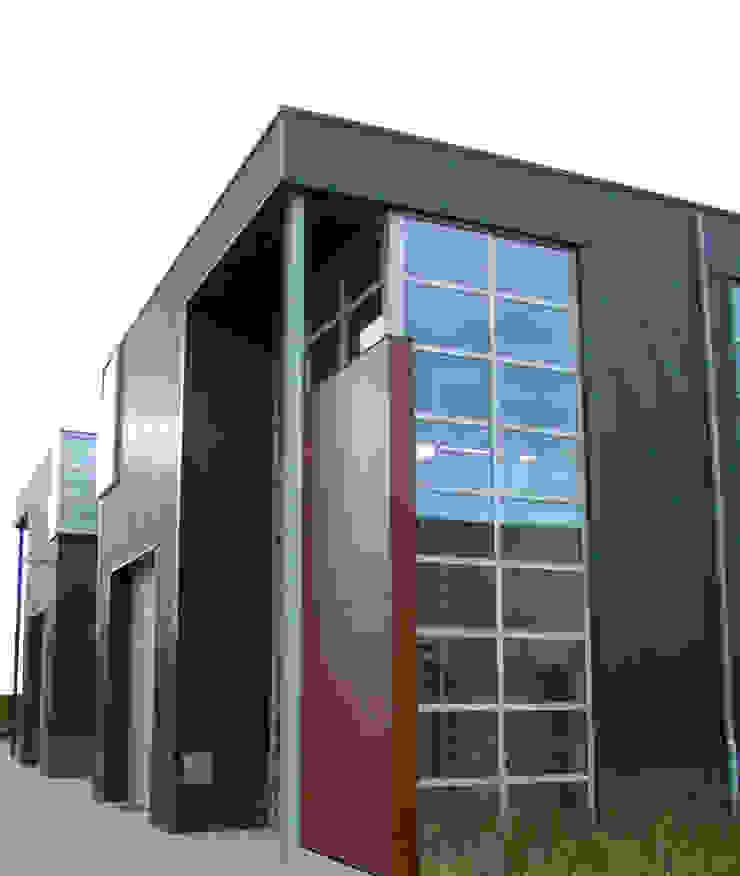 Bedrijfspand Moderne kantoor- & winkelruimten van Kuiper Steur architecten BNA Modern