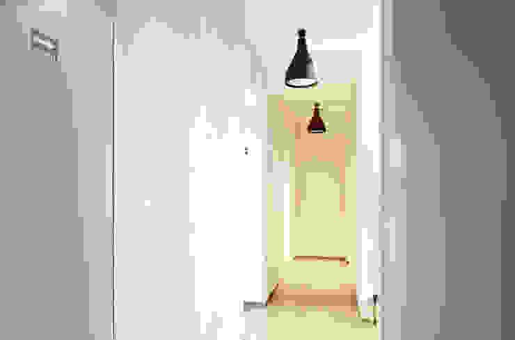 Modern Corridor, Hallway and Staircase by NOS Design Modern