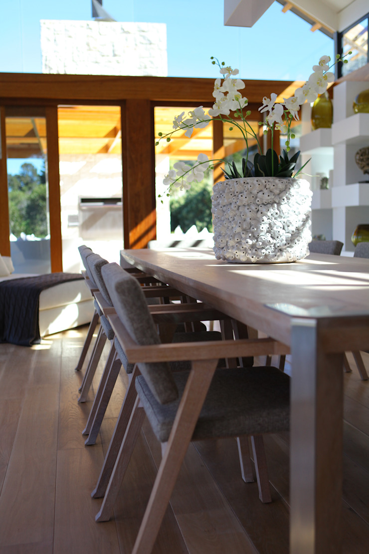 M&M Designs Modern dining room