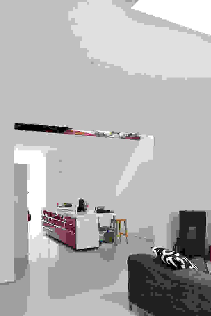 Energieneutrale woning Buiksloterham Moderne woonkamers van CUBE architecten Modern