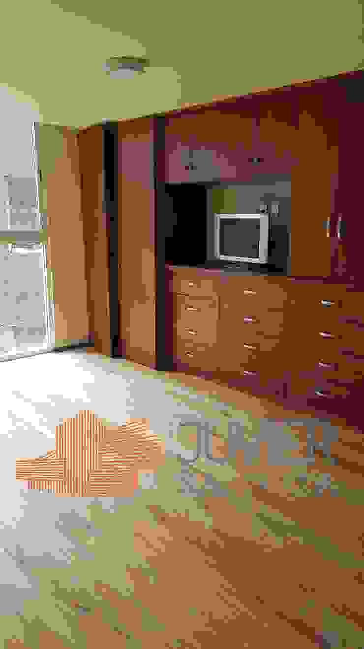 Remodelación departamento Dormitorios modernos de Juvier SA de CV Moderno Madera maciza Multicolor