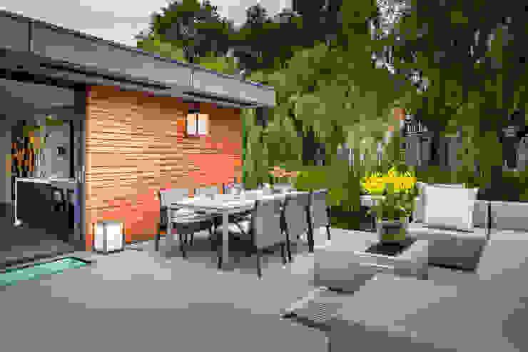 Modern Terrace by aquatecture Modern