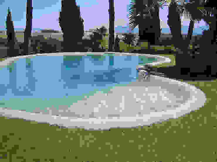Бассейн в средиземноморском стиле от homify Средиземноморский Камень
