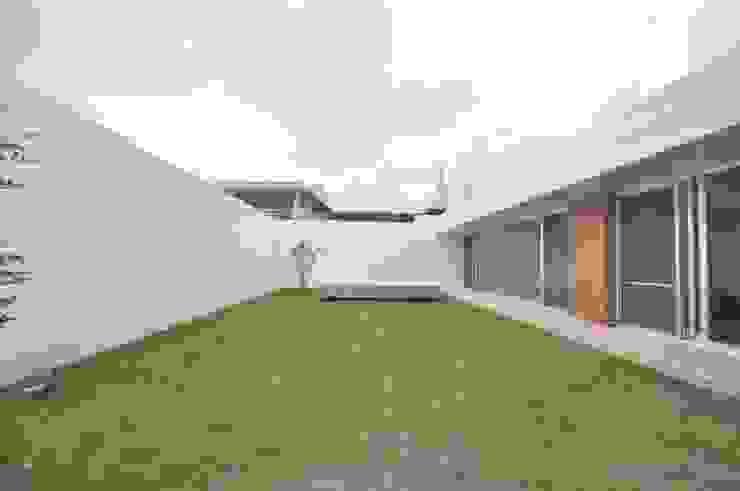 Modern garden by 門一級建築士事務所 Modern