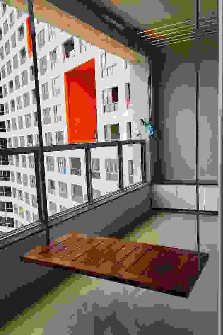 Mr. Jitendra Pathak Modern balcony, veranda & terrace by GREEN HAT STUDIO PVT LTD Modern
