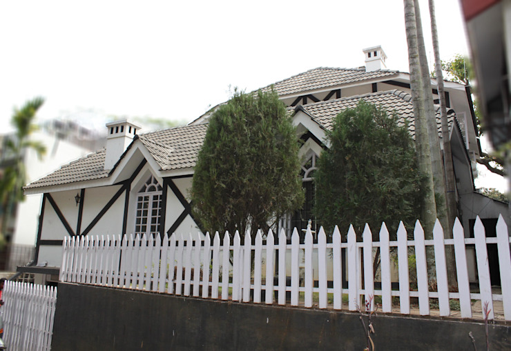 Exterior View of The European styled Residence Scandinavian style houses by Vishwanath And Associates Scandinavian