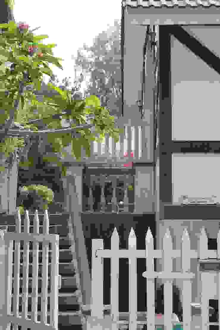 A Sneak peek into the Private Garden Scandinavian style houses by Vishwanath And Associates Scandinavian