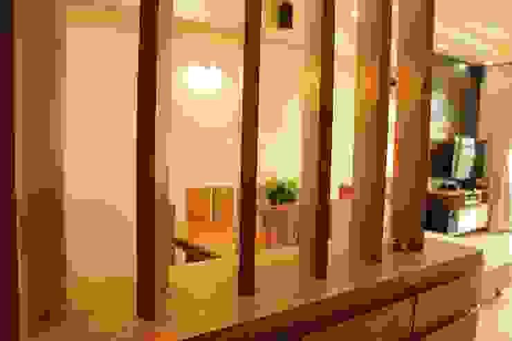 Mr. Jitendra Pathak Modern corridor, hallway & stairs by GREEN HAT STUDIO PVT LTD Modern