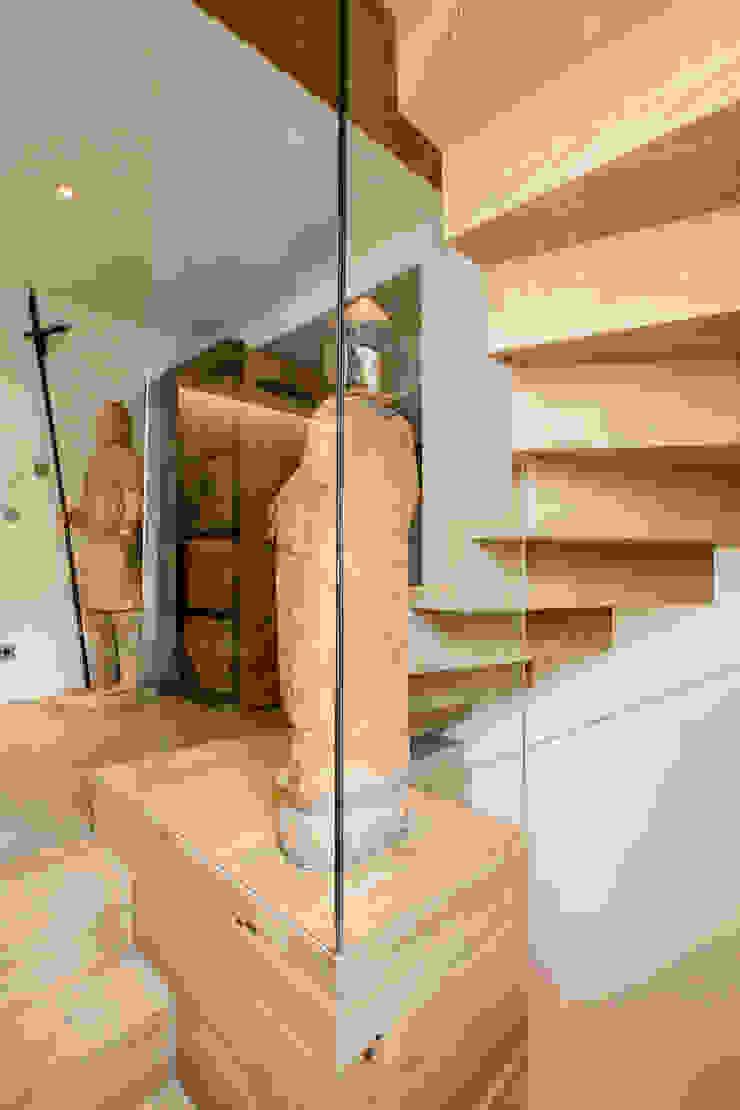 Holzmanufaktur Ballert e.K. Couloir, entrée, escaliers modernes Panneau d'aggloméré