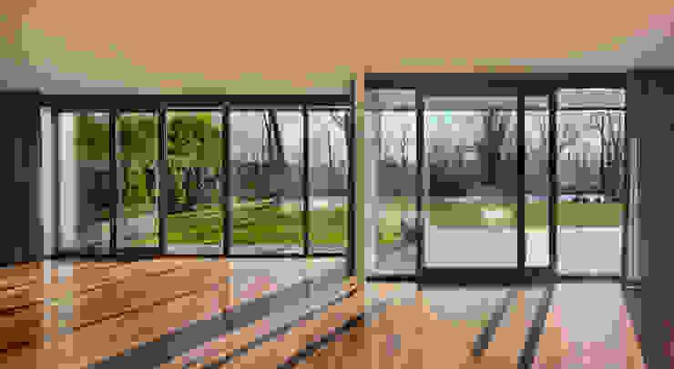 Modern Living Room by VAN ROOIJEN ARCHITECTEN Modern Wood Wood effect