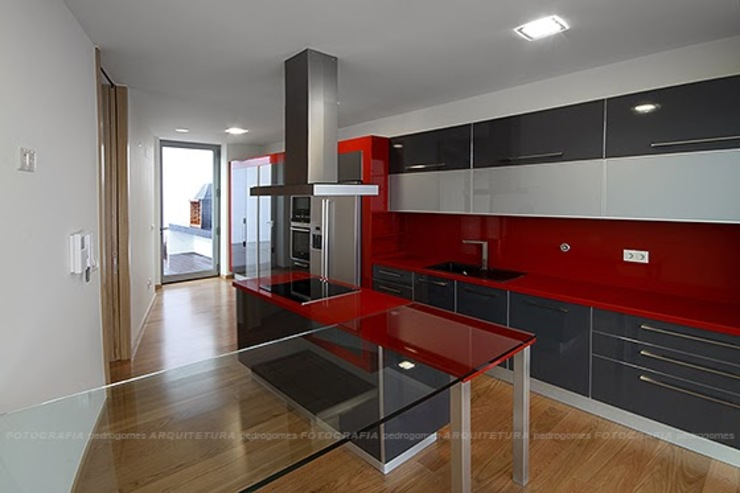 Esquissos 3G Modern style kitchen