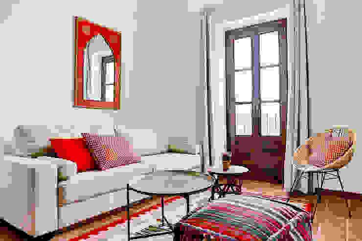 Salas de estilo mediterraneo de StudioBMK Mediterráneo