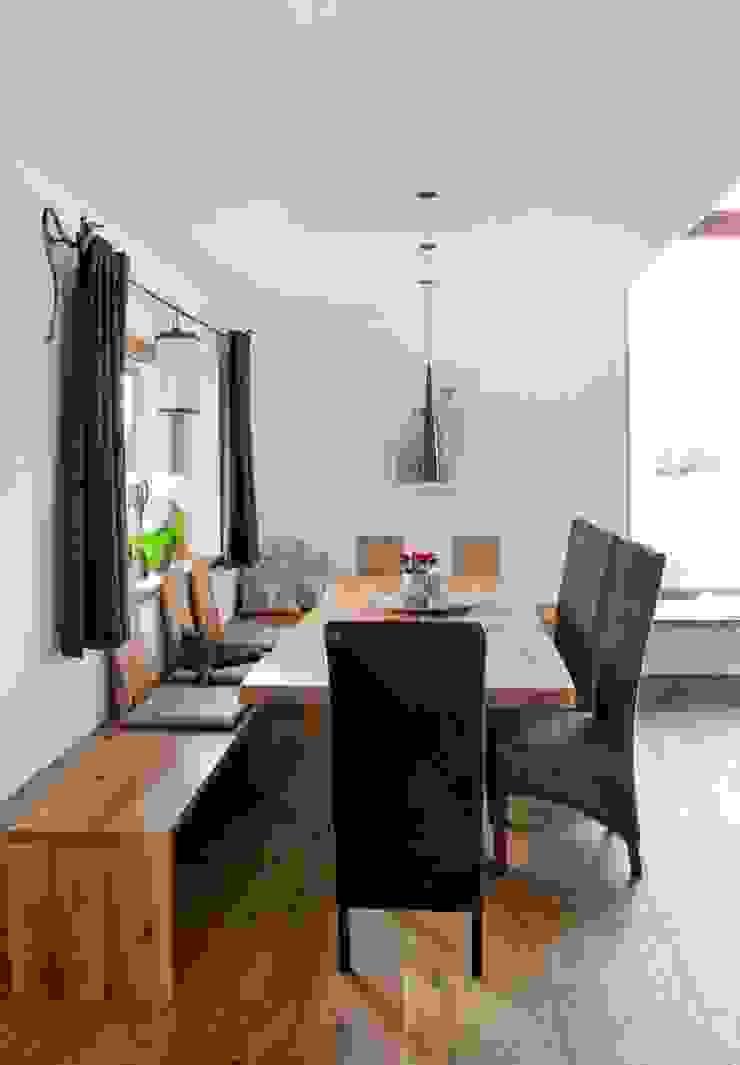 w. raum Architektur + Innenarchitektur Eclectic style dining room