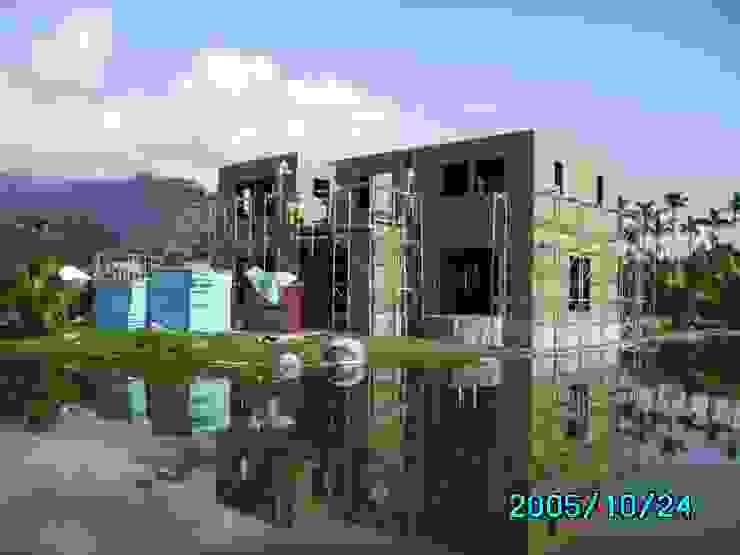 二樓牆體與三樓樓板完成 根據 台灣環球住宅股份有限公司