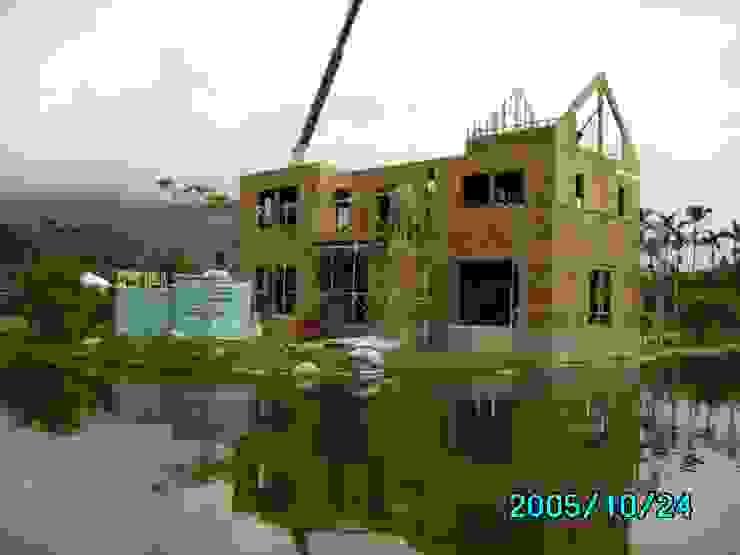 三樓牆體施工中 根據 台灣環球住宅股份有限公司