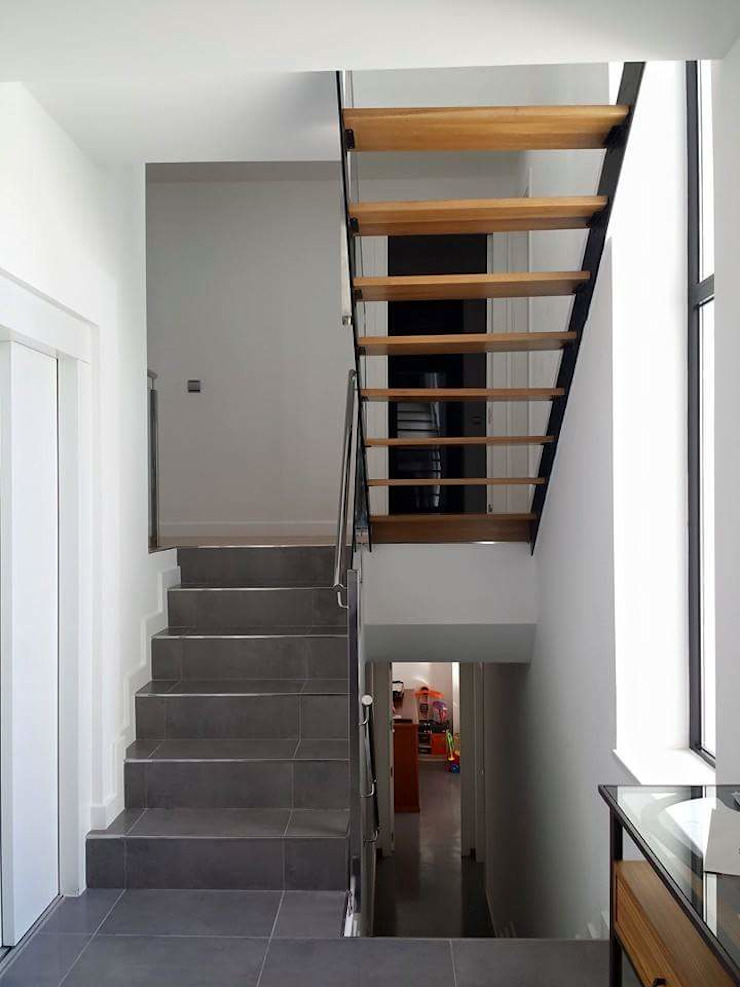 SPArquitectos Modern corridor, hallway & stairs