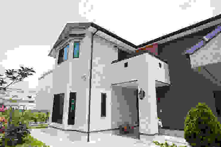 Casas de estilo asiático de 台日國際住宅股份有限公司 Asiático
