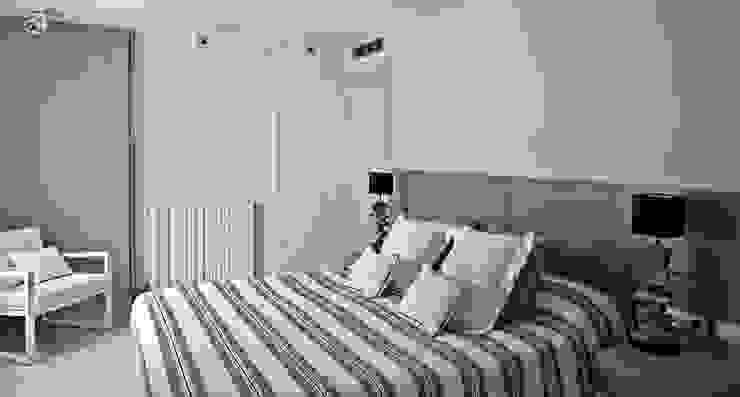 Interiorismo casa en Sitges Dormitorios de estilo mediterráneo de Isa de Luca Mediterráneo