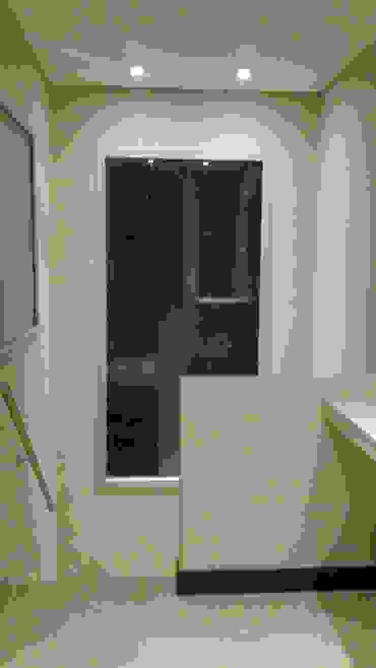Casa en Barrio Cerrado Pasillos, vestíbulos y escaleras modernos de Grupo PZ Moderno