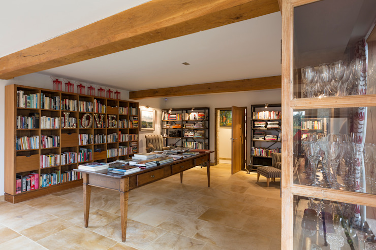 Library Country style media rooms by Studio Mark Ruthven Country