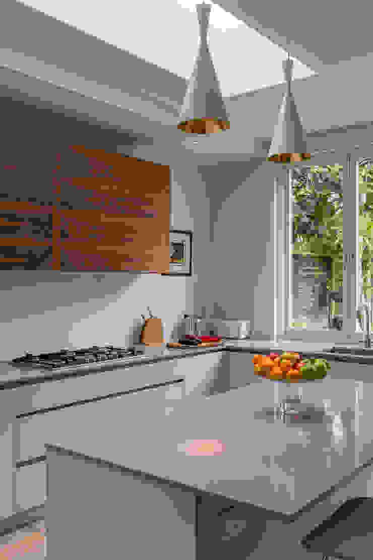 Kitchen Modern Kitchen by Studio Mark Ruthven Modern