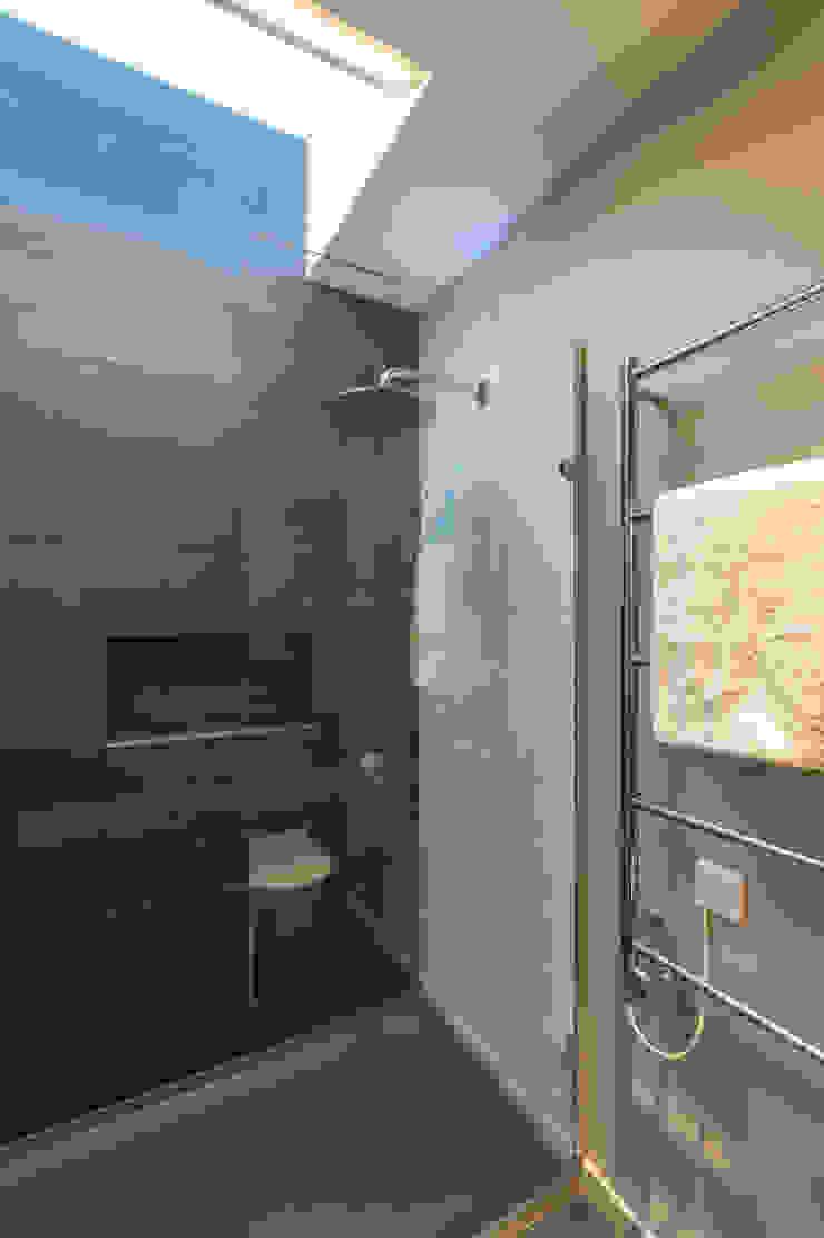 Shower room Modern Bathroom by Studio Mark Ruthven Modern