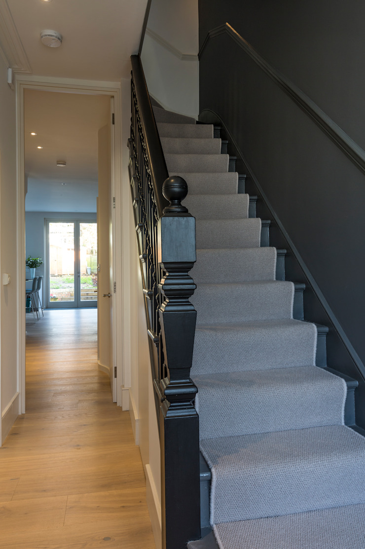 Stair Modern Corridor, Hallway and Staircase by Studio Mark Ruthven Modern