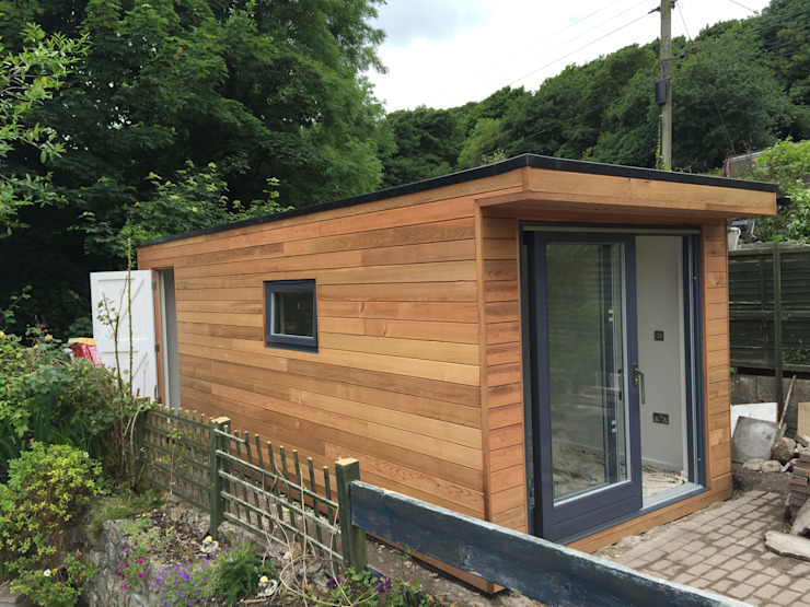 Helston Garden Box with Rear Storage Minimalist garage/shed by Building With Frames Minimalist Wood Wood effect