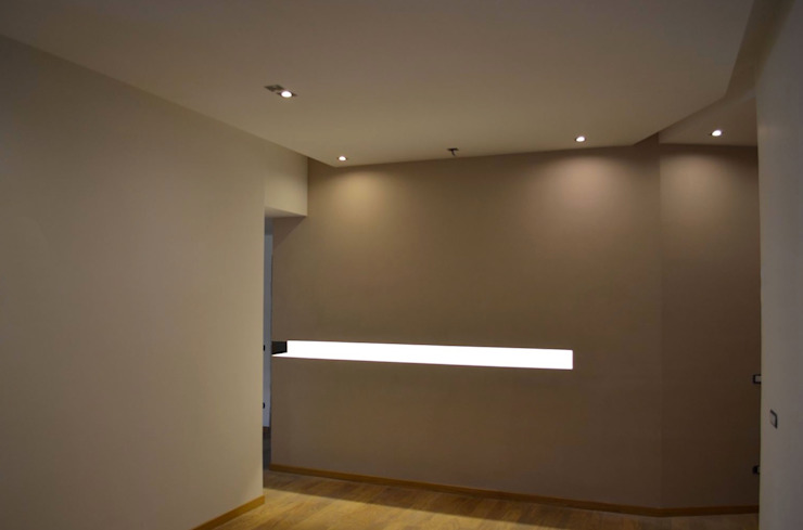 Ristrutturi Facile Modern Corridor, Hallway and Staircase
